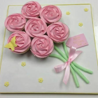 Mini-Mixers-Mothers-Day-Bouquet-Cake